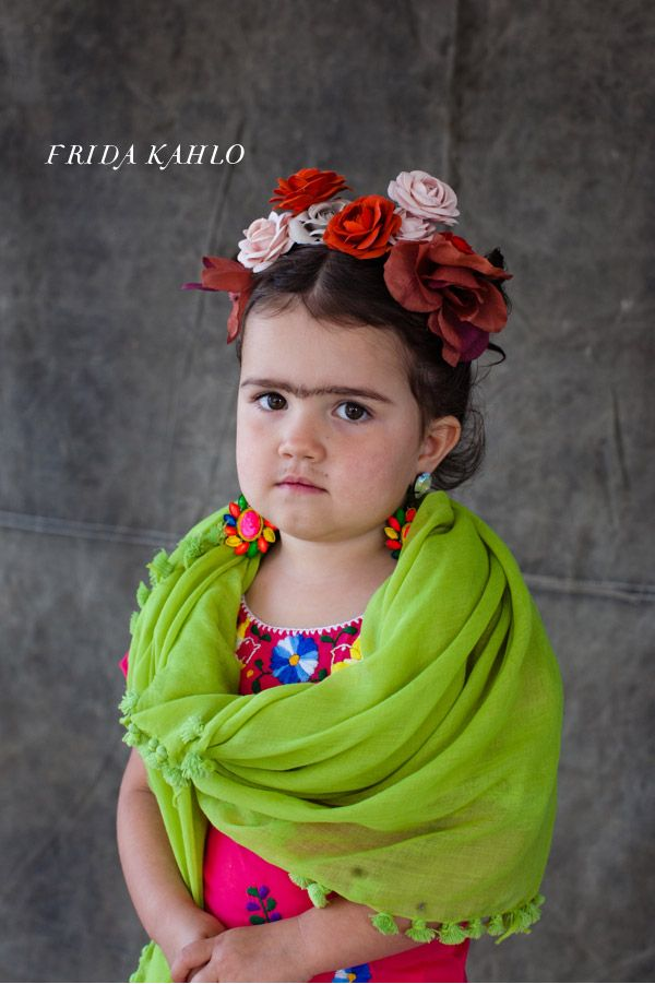 14Frida-Kahlo-Costume