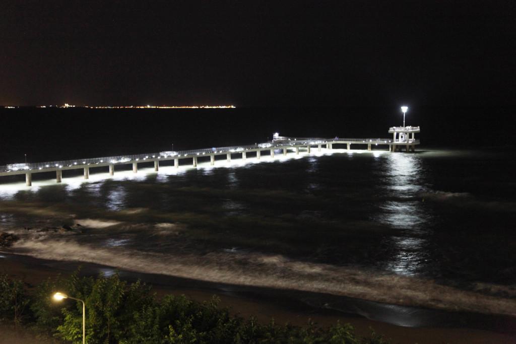 Мостът на Бургас нощем