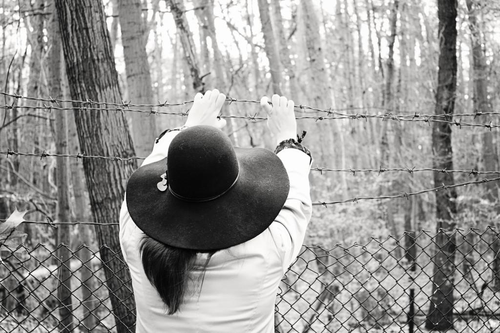 Зад тази ограда беше Замъкът на приказките на Рачо